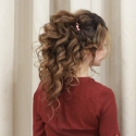 Высокий хвост в восточном стиле на длинные волосы среднего объема